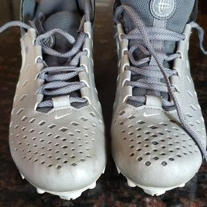 Boys Lacross Cleats...in good condition. Size 5